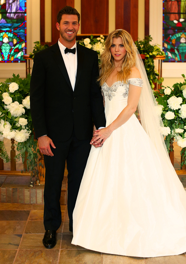 Photo Kimberly Perry S Wedding Day Hometown Country Music